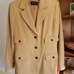 Dana buchman beige blazer jacket